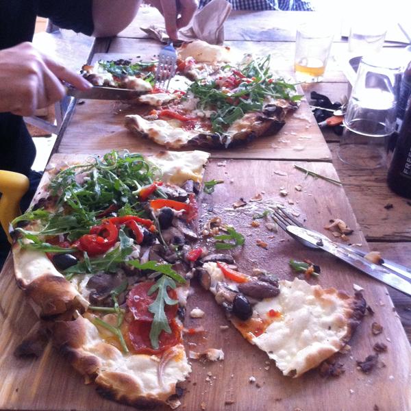 12_06_29_story_deli_pizza_04
